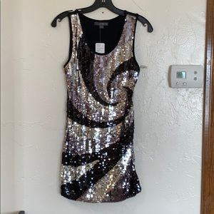 NWT Forever 21 Sequin Dress in Black & Silver 🖤🤍